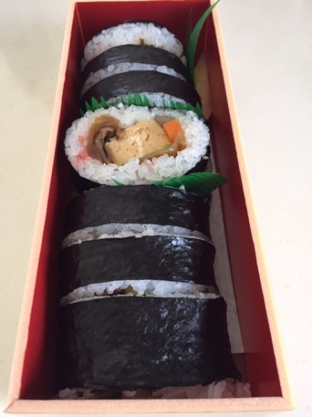 広島「寿司若」の穴子巻寿司